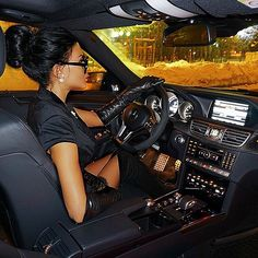 Woman in gloves Mercedes Benz, Girls Driving, Small Luxury Cars, Luxury Lifestyle Women, Black Leather Gloves, Billionaire Lifestyle, Luxe Life, Rich Kids, Car Girls