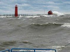 Lake Michigan Storm - Big Waves (Great Lakes)