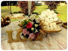 ΣΤΟΛΙΣΜΟΣ ΓΑΜΟΥ ΣΕ ΚΤΗΜΑ ΜΕ ΣΤΑΧΥΑ ΚΑΙ ΞΥΛΟ - ΚΤΗΜΑ ΓΚΟΥΝΤΑ - ΚΩΔ:GD-1342 Floral Wreath, Wreaths, Table Decorations, Home Decor, Floral Crown, Decoration Home, Door Wreaths, Room Decor, Deco Mesh Wreaths