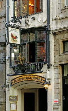 The Olde Cock Tavern, Fleet Street, London London Pubs, Old London, London City, London Eye, Uk Pub, Best Pubs, British Pub, Fleet Street, Pubs And Restaurants