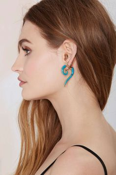 Throw Curves Tunnel Earrings | Shop Accessories at Nasty Gal!