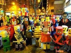 Zamora disfrazada repite desfile de color, baile y música