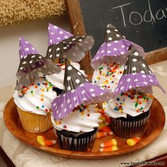 This fun and funky Halloween witch hat placed on top of a green or red apple makes a healthy treat.  For a sweeter school party treat, use the hats as a cupcake topper.