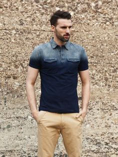 The Polo shirt for men is always in style since it came into fashion. The article gives you a complete Polo shirt guide. Mens Polo T Shirts, Blue Polo Shirts, Fashion Moda, Men's Fashion, Vintage Fashion, Moda Blog, Shirt Style, Menswear, Men Casual