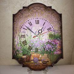 Купить или заказать Часы ПРОВАНС декупаж в интернет-магазине на Ярмарке Мастеров. Часы ПРОВАНС ,выполнены в технике декупаж как дополнение к чайному домику из этой же коллекции. Очень нежные и романтичные. Прекрасно подойдут для спальни , гостиной или кухни .