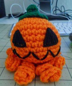 Kristen's Crochet: Jackopus/OctoLntern. FREE PATTERN 7/14.