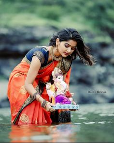 Ganpati Visarjan, Shri Ganesh, Girl Photography Poses, India Beauty, Girl Face, Beauty Queens, My Beauty, Beautiful Places, Sari