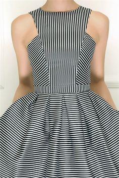 """Платье короткое в полоску: продажа, цена в Одессе. платья женские от """"Isabel Garcia"""" - 79675024"""