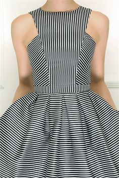"Like the cut, the stripe is too psychedelic. ""Isabel Garcia"" - 79675024"