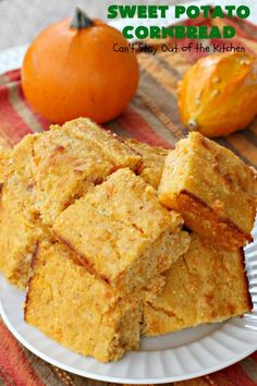 Sweet Potato Cornbread - Can't Stay Out of the Kitchen Sweet Potato Cornbread, Honey Cornbread, Mashed Sweet Potatoes, Recipe Using Honey, Glass Baking Dish, Clean Eating Recipes, Food To Make, Tasty, Pizza