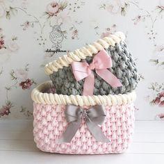 The most beautiful Crochet basket and straw models Crochet Home, Knit Crochet, Crochet Designs, Diy Crochet Basket, Knitting Stiches, Crochet Decoration, Crochet Teddy, Single Crochet Stitch, Diy Tutorial