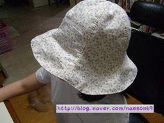 얼마전 만들어 올렸던 .. 챙이 넓은 모자.. 패턴을 공유해 달라는 분들이 계셔서.. 그런데.. 패턴 ... Hat Making, Sewing Patterns, Crochet Hats, Fashion, Molde, Cravat, Head Bands, Caps Hats, Sewing
