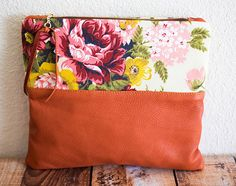 Beautiful Handmade Bags from Zila Longenecker's CONSUERE Diy Handmade Bags, Handmade Handbags, Diy Purse, Tote Purse, Clutch Bags, Handbags Michael Kors, New Handbags, Clutch Pattern, Wholesale Designer Handbags
