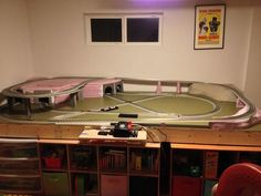 Finally finished putting together the layout I plan to mount on a board for my kids. I'm limited to and I wanted to have room for a couple of tunnels, operating accessories and be able to have the train reverse direction to keep the kids from. Ho Scale Train Layout, Ho Train Layouts, Lionel Trains Layout, Train Miniature, N Scale Model Trains, Model Railway Track Plans, Hobby Trains, Electric Train, Wooden Projects
