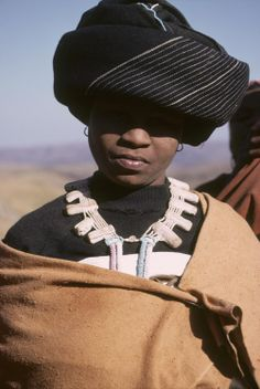 Xhosa people, South Africa by Harold E. Xhosa Attire, Africa Tribes, African Traditions, Beauty Around The World, African Trade Beads, Before Us, African Fashion, African Style, African Hairstyles