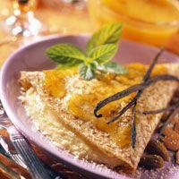Découvrez la recette Crêpes à la frangipane sur cuisineactuelle.fr.