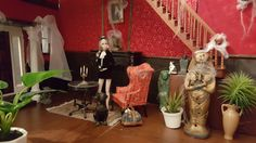 Halloween Diorama, Huge Mansions, Dollhouses, Poppies, Action Figures, Scale, Candles, Display, Painting