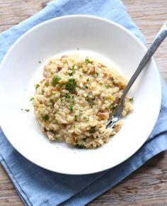 Deze groenterisotto smaakt heerlijk. Bekijk snel het recept! A Food, Good Food, Food And Drink, Yummy Food, Side Dish Recipes, Rice Recipes, Vegan Recipes, Vegan Meals, Food Vans