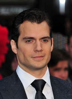 Henry Cavill - Thought he was a cutie in 'Count of Monte Cristo',  found him nice to look at in 'The Tudors'. I think he is one of those like Hrithik Roshan, whose attractiveness goes beyond normal human capacity. I say 'attractive' because it's only partly about the looks - also like Hrithik, he comes across in interviews as a genuinely nice guy. You gotta see 'Man of Steel'!