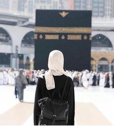 Muslim women speak out about sexual assault in Mecca Hijab Niqab, Muslim Hijab, Mode Hijab, Islam Muslim, Hijabi Girl, Girl Hijab, Muslim Girls, Muslim Couples, Ramadan Dp