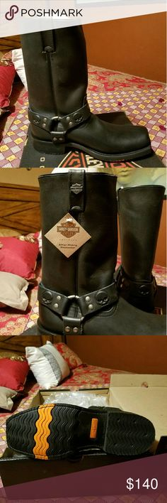 NWT Mens Harley Davidson boots NWT never worn! Size Mens 10.5, Black Leather pull on, no zippers. Amazing skull detailing on the ankle straps with brushed silver ring and detailing. Squared toe. I bought for my husband and he found another pair that suited him better. These are amazing boots that still wrapped in all the plastic, etc. These boots will make an amazing Xmas gift for the man in your life!! Harley-Davidson Shoes Combat & Moto Boots