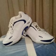 d7cdc25fb0a0a AND 1   s White and blue AND 1   s clean barely worn. AND 1 Shoes
