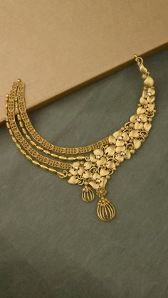 New Indian Bridal Bangles Gold India Ideas Gold Bangles Design, Gold Jewellery Design, Gold Earrings Designs, Gold Jewelry, Punk Jewelry, Handmade Jewellery, Jewellery Box, Bohemian Jewelry, Bridal Jewelry Sets