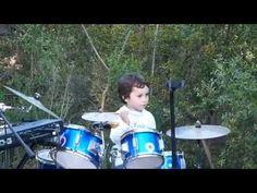 Henüz 5 Yaşında Ama Pink Floyd Şarkısı Çalıyor - http://www.aylakkarga.com/henuz-5-yasinda-ama-pink-floyd-sarkisi-caliyor/