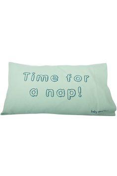 Funda de almohada diseñada para los nenes de la casa, altamente recomendable para viajes en auto también :)