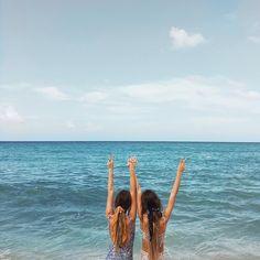 """Mi piace"": 14.3 mila, commenti: 241 - Tess & Sarah (@tess_and_sarah) su Instagram: ""✌"""