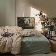 Room Ideas Bedroom, Bedroom Inspo, Bedroom Decor, Aesthetic Room Decor, Aesthetic Design, Cozy Room, Dream Rooms, My New Room, House Rooms