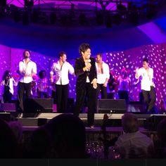 Artem, Henry, Tristan & Sasha dancing with Gladys Knight at Hollywood Bowl 8-9 Aug 2014 (pic credit: @stillmatik via Instagram)