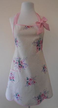 shabby chic apron pastel floral full apron by apronstringsnz (sold) this is darling Aprons Vintage, Vintage Shabby Chic, Retro Apron, Vintage Style, Sewing Aprons, Sewing Clothes, Pink Apron, Sewing To Sell, Cute Aprons
