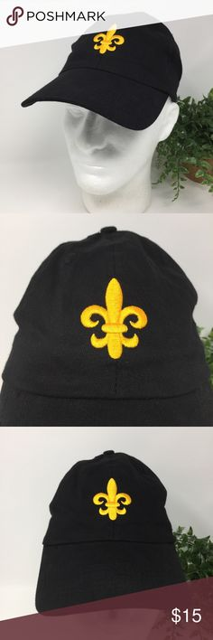 Mardi Gras Black Fleur de Lis Hat New Orleans This listing is for a Smith Southwestern Mardi Gras Black Fleur de Lis Hat OS New Orleans   We LOVE finding unique and special hats ... of all kinds. Some are new and some have been pre-owned.   We sell NFL, NBA, NHL, and MLB hats. NCAA hats and NASCAR hats. And, we find other great hats like this one ...  Comes from a smoke free and pet free environment. Hat will be shipped in a box to prevent it from from getting crushed. Smith Southwestern Inc…