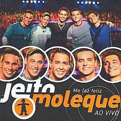 Jeito Moleque est un groupe de Pagode romantique né à la fin des années 90 à Santana, une banlieue de Sao Paulo. En 1998, cinq copains d'enfance, Bruno, Carlinhos, Felipe, Rafa et Alemão, footballeurs et musiciens, créent un groupe de Pagode