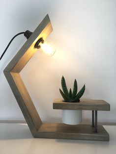 Woodworking Projects Diy, Diy Wood Projects, Metal Furniture, Diy Furniture, Industrial Style Lamps, Diy Floor Lamp, Lampe Decoration, Wooden Lamp, Lighting Design