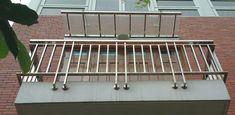 Xem 40 mẫu lan can ban công inox mặt tiền đẹp, sang trọng, hiện đại Balcony Grill Design, Balcony Railing Design, Glass Barn Doors, Metal Doors, Door Gate Design, Cute Cartoon Wallpapers, Home Interior Design, Architecture Design, Railing Ideas