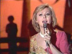 Наталья Селезнёва - Звенит январская вьюга [1977] (HQ) - YouTube