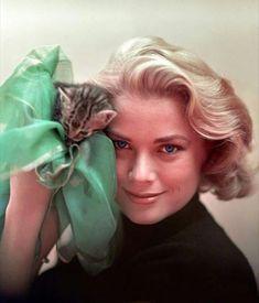 Grace Kelly & kitten