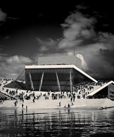 Oslo Opera House was designed by the acclaimed Norwegian architectural firm Snøhetta.