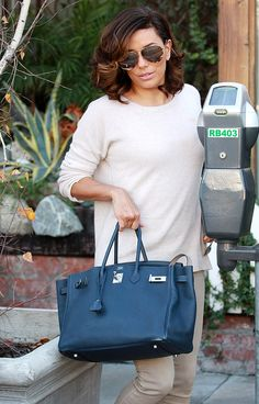 This week, everyone but Rihanna was in love with Chanel and Hermes. All Fashion, Fashion Bags, Womens Fashion, Hermes Bags, Hermes Birkin, Eva Longoria, Purses And Bags, Fashion Accessories, Miraculous