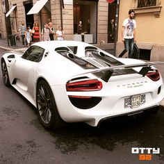 Crazy spot in my city #Milano - #porsche #918s  I can't believe it  - #otty92 #supercars #carspotting #luxury  #spotycarApp If you want more, follow me on:  YouTube: Otty92 Channel  Facebook: Otty92 - 540k fan page  @Spotycar_app --> the amazing carspotting App