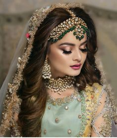 Save Money With These Great Wedding Tips. Whether you are researching wedding suggestions for yourself or even for a friend or loved one that has asked for help, you will undoubtedly realize that w Pakistani Bridal Couture, Asian Wedding Dress Pakistani, Pakistani Bridal Makeup, Desi Wedding Dresses, Pakistani Dresses, Bridal Lehenga, Formal Dresses, Desi Bridal Makeup, Bridal Makeup Looks