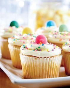 perfect birthday cupcakes, fun cupcakes, confetti, vanilla cupcake // The Cup, St. Louis, Missouri www.cravethecup.com