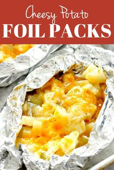 Cheesy Potatoes Foil Packs recipe Cheesy Potatoes Foil Packs Recipe - easy and delicious side dish that can be baked in the oven or cooked on the grill! No-mess clean-up makes these perfect for a quick dinner! Diced Potatoes In Oven, Foil Potatoes On Grill, Foil Packet Potatoes, Cheesy Potatoes, Baked Potatoes, Potato Pizza Recipe, Easy Potato Recipes, Chicken Recipes, Tin Foil Dinners