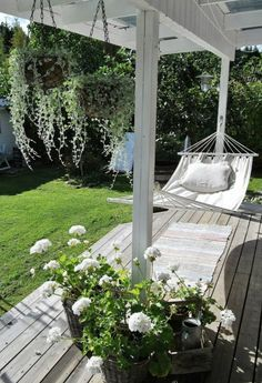 55 Front Verandah Ideas and Improvement Designs backyard verandah with a hammock