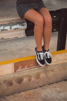 🎊 ¡¡POR FIN ES VIERNES!! 🎊  Las Vans Old Skool son un icono en el mundo de la zapatilllas y a nosotr@s cada vez nos gustan más🖤. ¿A vosotr@s que os parecen?😍 Ya disponibles en nuestras tiendas físicas y en 👉zapatosmayka.es👈