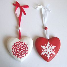 Hand-painted snowflake wooden heart ornament - red and white - Christmas/Holiday. £6.00, via Etsy.