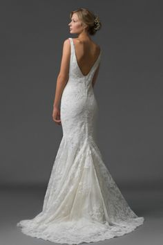Deep V back mermaid gown: http://www.stylemepretty.com/lookbook/designer/elaya-vaughn-bridal/ #SMPLookBook