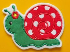 * * Snail * lady * *Embroidered on FeltFor applications with fabric always made of pure cotton fabrics-at Vollstickaufnähern of course without fabrics only on felt embroidered with polyester yarnFor sewing (without glue)-for all kinds of things: hide holes, decorate hats, blankets, jackets, sweaters, trousers, etc.I use only high quality fabrics, fleeces, embroidery yarns for my items.Attention: There can always be slight color deviations due to different graphics cards and/or monitor settings. Snail Art, Yarns, Blankets, Monitor, Patches, Cotton Fabric, Trousers, Fabrics, Felt